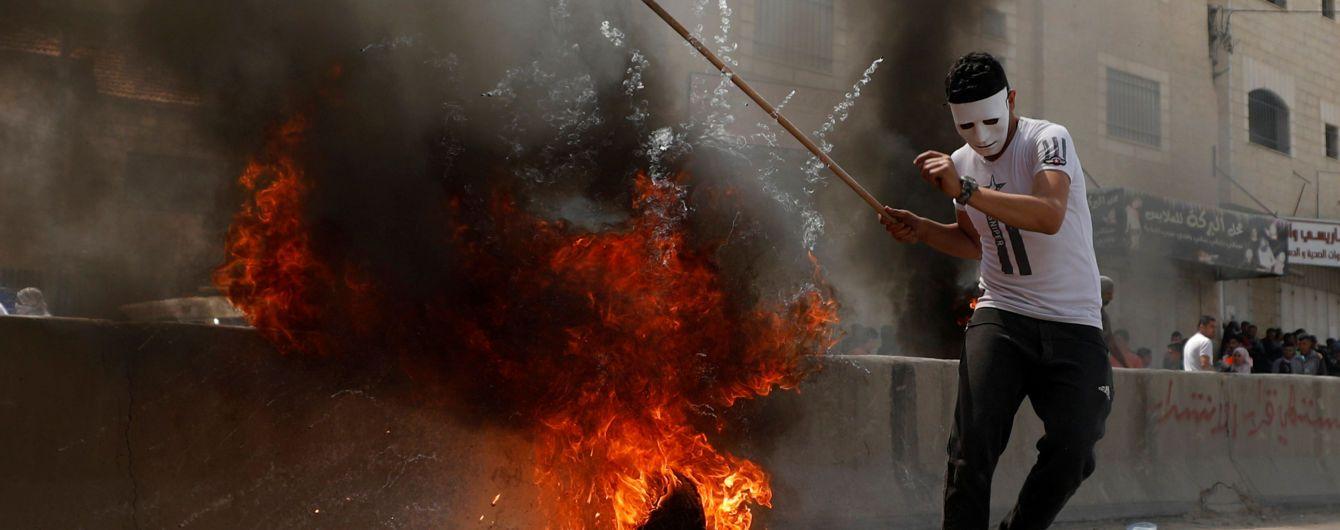 В Секторе Газа в результате столкновений погибли уже более полусотни палестинцев