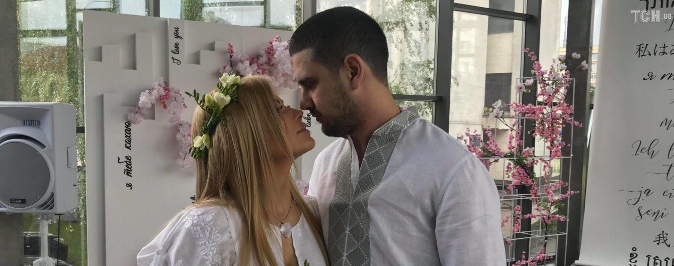 Екс-дружина та нова теща відреагували на експрес-весілля нардепа Дейдея