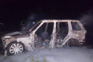 Полиция установила личности грабителей из Херсона, а в сожженной машине нашла награбленное
