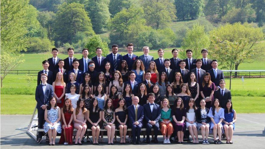 Дочки Порошенко окончивают престижный колледж в Великобритании