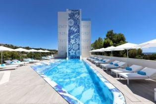 У цей сезон ми знову запрошуємо вас оселитися у готелі Iberostar Grand Hotel Portals Nous