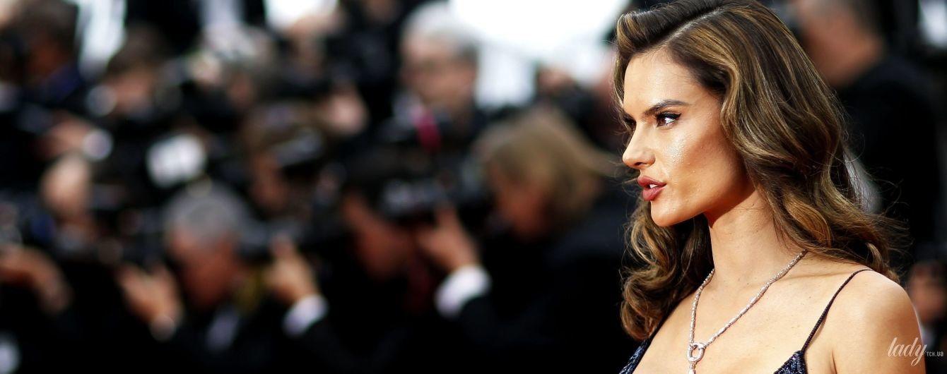 В сексуальном платье с глубоким декольте: Алессандра Амбросио продемонстрировала новый образ в Каннах