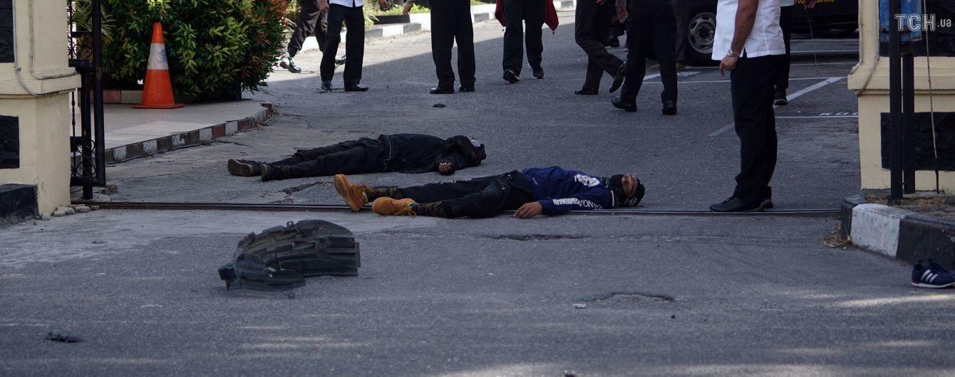 В Индонезии самураи напали на штаб полиции. Есть жертвы