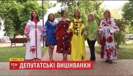 ТСН вместе с народными депутатами проинспектировали цены на вышиванки в украинских магазинах