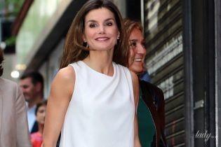 Бесподобна: королева Летиция в белоснежном наряде посетила торжественное мероприятие
