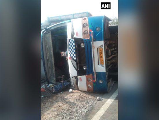 В Індії перекинулася вантажівка: загинули 19 осіб