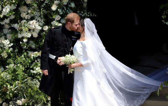 Творець весільної сукні Меган Маркл показав оригінальні ескізи вбрання герцогині