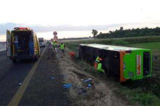 В Італії автобус вилетів з траси: 26 постраждалих