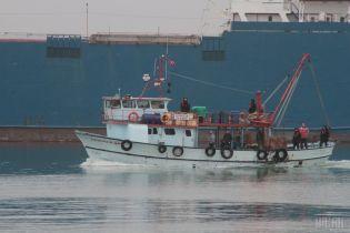 Російські прикордонники затримали близько сотні українських суден від кінця квітня