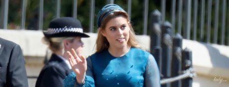 В очень интересном платье: принцесса Беатрис среди гостей на свадьбе принца Гарри и Меган Маркл
