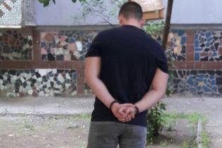 В Николаеве руководитель аппарата суда погорел на взятке за разрешение ребенку выехать за границу
