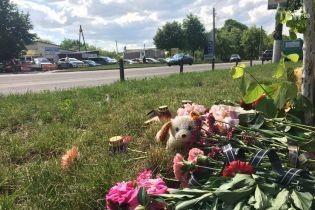 В Борисполе похоронили погибшую под колесами автобуса девочку