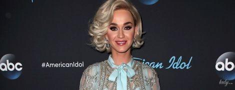 В кутюрном наряде от Elie Saab и белом парике: Кэти Перри на шоу в Лос-Анджелесе