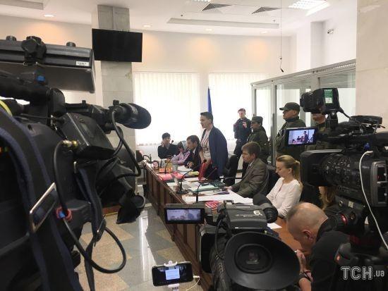 Суд не відпустив Савченко на поруки