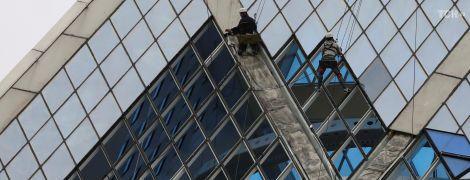 Нещадна буря зіпсувала будинок-символ столиці Казахстану