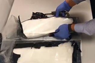"""В """"Борисполе"""" задержали украинца с 4 кг кокаина в чемодане"""