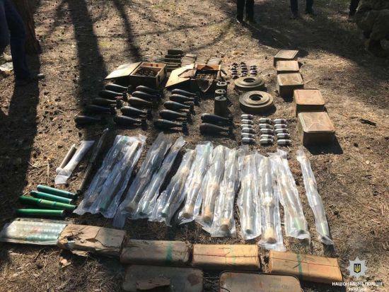 У Дніпрі виявили великий схрон боєприпасів із зони ООС