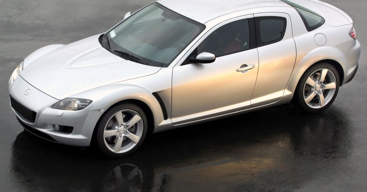 У Коломиї в карколомному ДТП постраждав рідкісний спортивний автомобіль (фото)