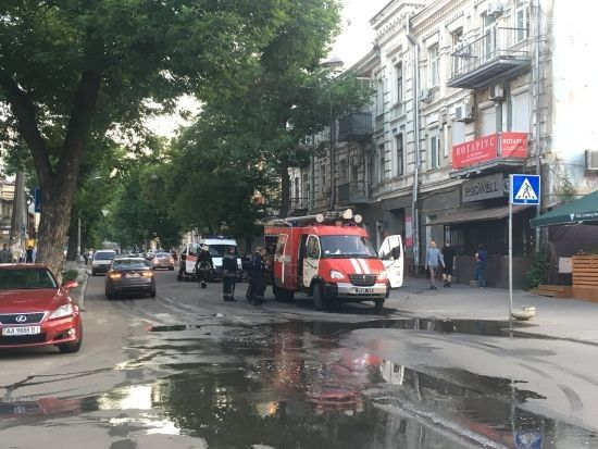 У Києві палала офісна будівля