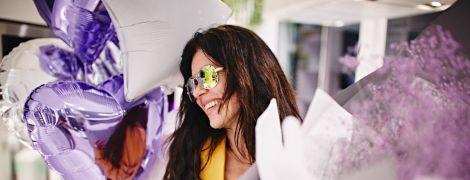 Ефектна Руслана у ліфчику та жовтій косусі показала, як її привітали з днем народження