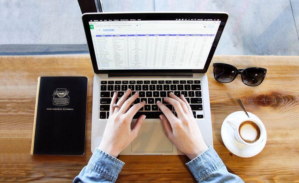 Ноутбук, робота, кава, блокнот
