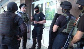 """Стрілянина у Черкасах: поліція розповіла подробиці, а """"Батьківщина"""" підтвердила смерть свого депутата"""