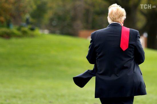 Трамп полюбляє рвати важливі документи - екс-співробітники Білого дому