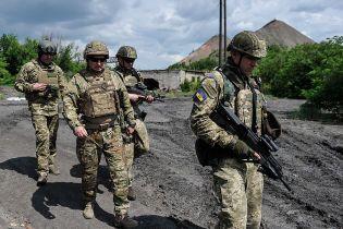 Турчинов на позициях под Горловкой заявил о скоплении войск РФ у границы