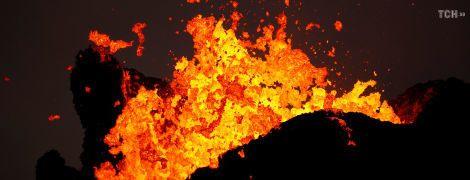Река из огня: лава вулкана Килауэа может перекрыть последний путь эвакуации на Гавайях