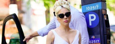 Леди Гага повторила легендарный образ Мэрилин Монро в летящем белом платье