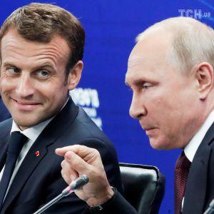 Україна наодинці з Путіним. Макрон здивував своєю поведінкою на перемовинах у Петербурзі