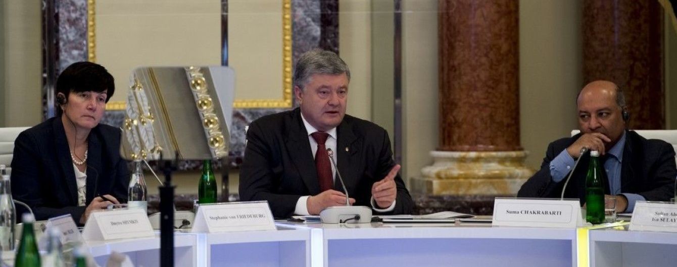 """Порошенко заявил о """"гипертрофированном внимании"""" СМИ к коррупции"""