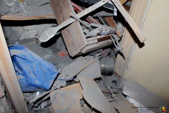 У Торецьку снаряд бойовиків проломив дах житлового будинку
