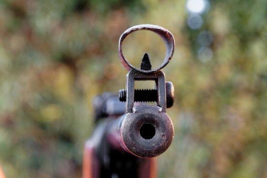 На Львівщині хлопчик з гвинтівки прострелив своїй 8-річній сестрі живіт