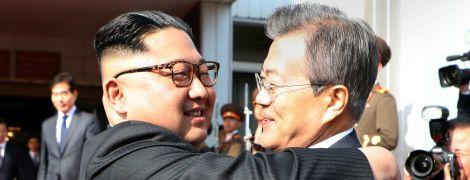 Лідери КНДР і Південної Кореї проводять незаплановану зустріч