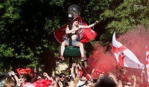 """Allez, allez, allez: фанати """"Ліверпуля"""" відірвалися у парку Шевченко перед фіналом Ліги чемпіонів"""