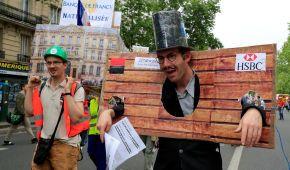 У Франції десятки тисяч знову вийшли на протест проти політики Макрона