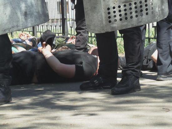 """Погром на """"Лісовій"""": троє правоохоронців постраждали, десятьох учасників сутичок затримали"""