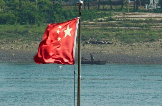 Китай звинуватив США у вторгненні до свої територіальних вод