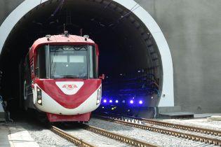 Почти 3 млрд грн и 7 км железнодорожных путей. Бескидский тоннель в цифрах