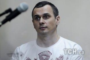 Російські тюремники заявили, що Сенцов набрав свою початкову вагу та вже не потребує дієти