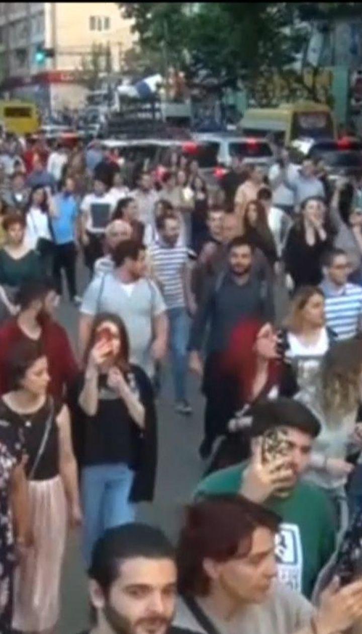 Тысячи активистов в Грузии требуют наказать убийц 16-летнего Давида Саралидзе