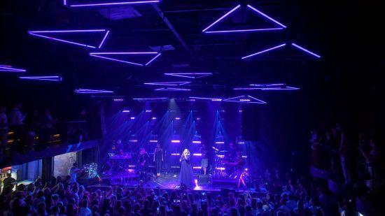 Гурт KAZKA презентував у колі найвідданіших київських фанатів дебютний альбом