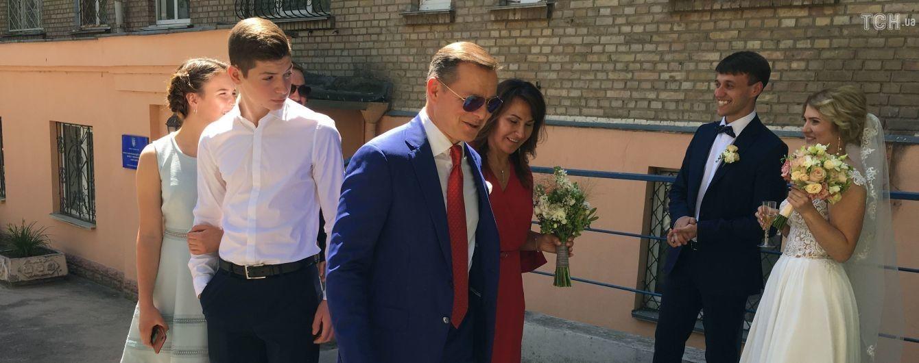 Песня Магомаева и ругань в спортзале: что постил в соцсети Олег Ляшко в день своей свадьбы
