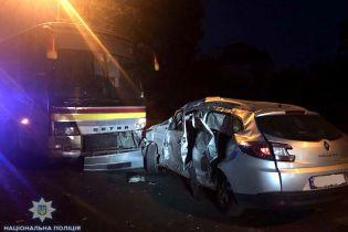 У Рівному пасажирський автобус зіткнувся з легковиком, загинув оператор місцевого видання