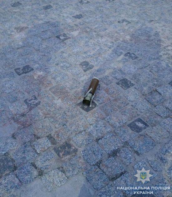У Києві невідомі обстріляли ритуальне бюро з гранатомета