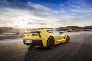 Глава отдела разработок General Motors разбил Chevrolet Corvette на гоночной трассе