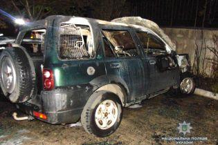 """Словно взрывались боеприпасы. Очевидец рассказал о поджоге авто экс-руководителя """"Правого сектора"""" в Ровно"""
