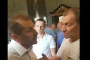 На Львовщине мэр ударил в лицо активиста