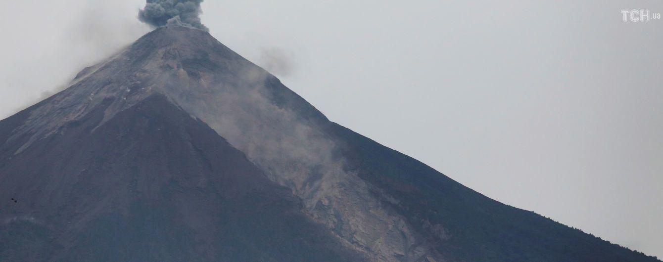 Кількість жертв виверження вулкана в Гватемалі сягнула майже 100 осіб